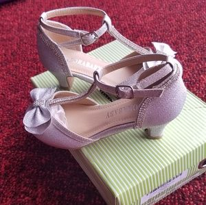 Other - Girl silver pumps with rhinestones